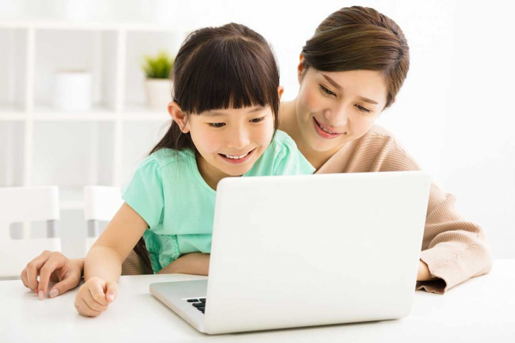 The Parents' Website | Image of a mother and daughter working on a computer