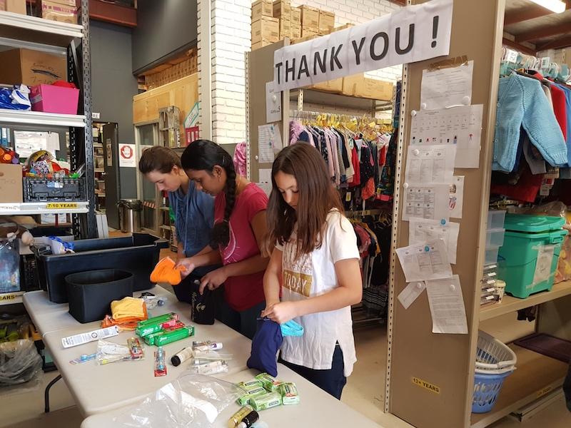 Casey Grammar students volunteer at Backpacks 4 Vic Kids