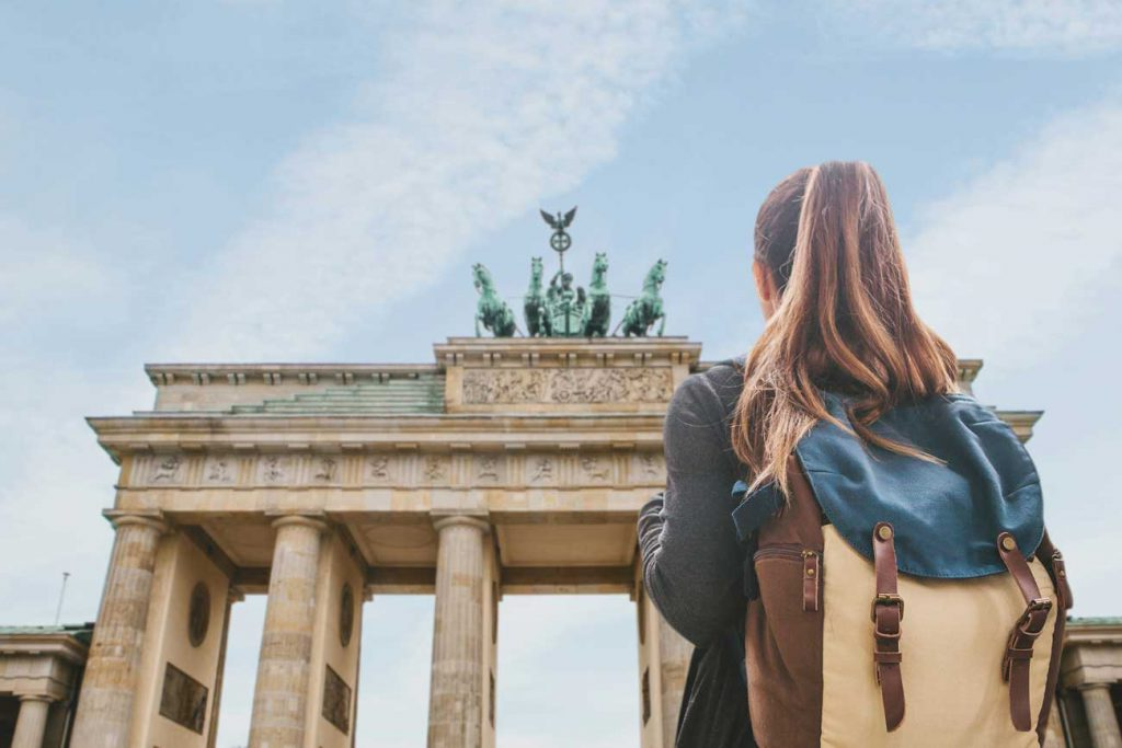 The Parents' Website | Image of a girl travelling in Germany
